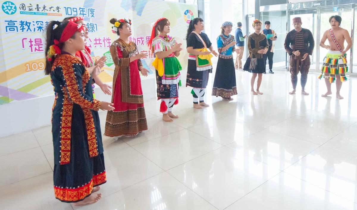 東大學生以原住民舞蹈展現族群融合的精神