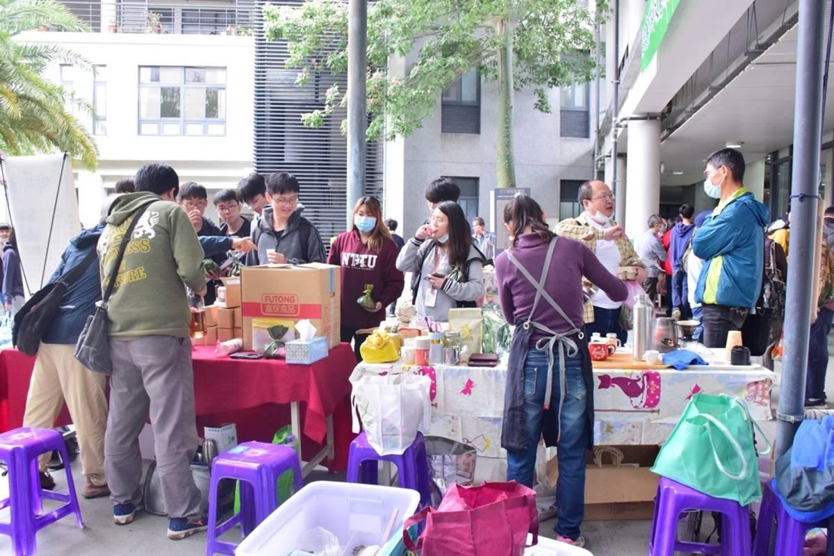 臺東大學辦理「臺東友善環境農業共好座談會」,同時規劃友善小農農產品展售會。